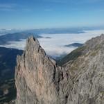 Blick auf die Täler und Berge der Umgebung