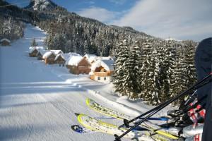 Hüttendorf im Skigebiet Loser