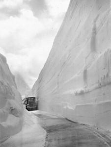 Schwarzweiß BIld von den Schneewänden am Großglockner