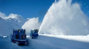 Schneeräumung auf der Hochalpenstraße im SalzburgerLand