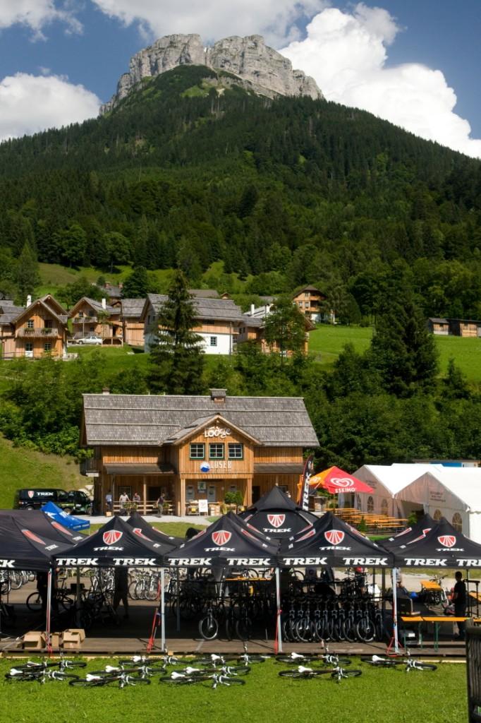 Das Hüttendorf ist ideal für Events