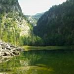Grünfarbener See