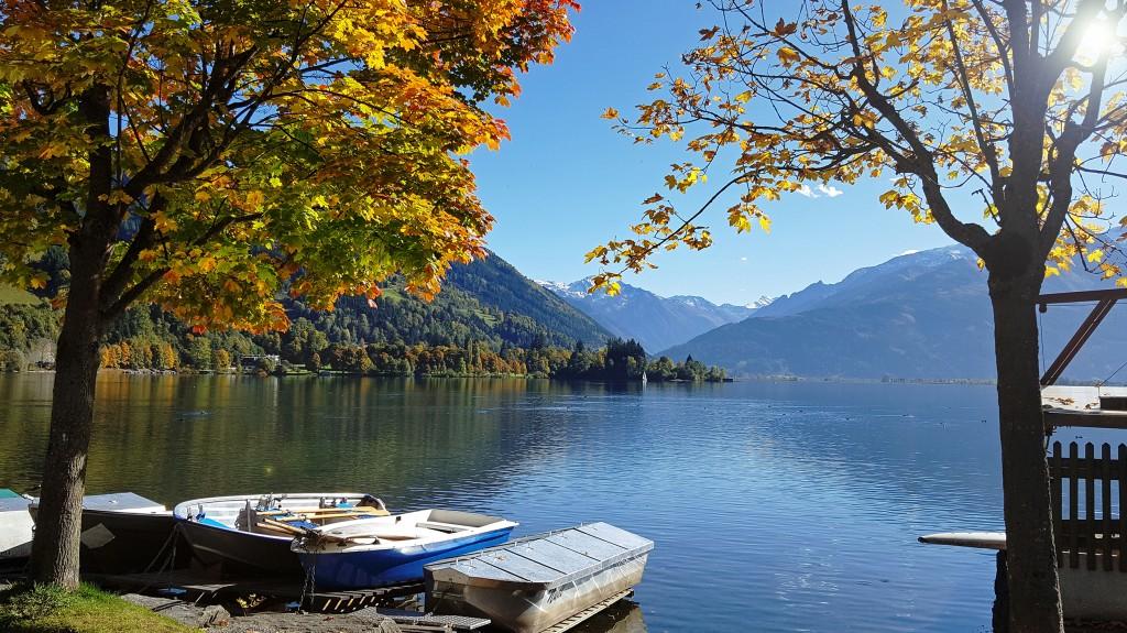 Herbstliche Stimmung mit Booten am Zeller See im SalzburgerLand, Foto: Sabine Hechenberger