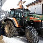 Traktor steht bereit für die Fütterung, Foto: Nadine Dreiseitl