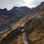 Bestens markierter Wanderweg zum Amertaler See, Foto: Sabine Hechenberger
