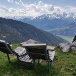 Gemütliche Sonnenliegen unterhalb der Pinzgauer Hütte, Foto: Sabine Hechenberger
