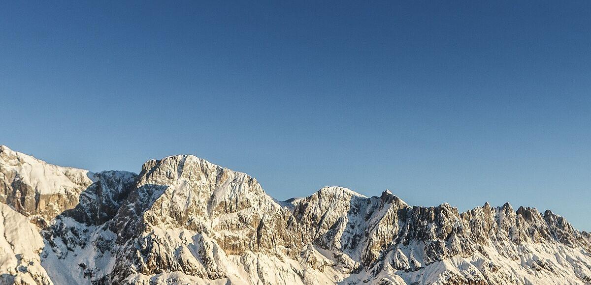 Frisch präparierte Skipiste im Skigebiet Hochkönig