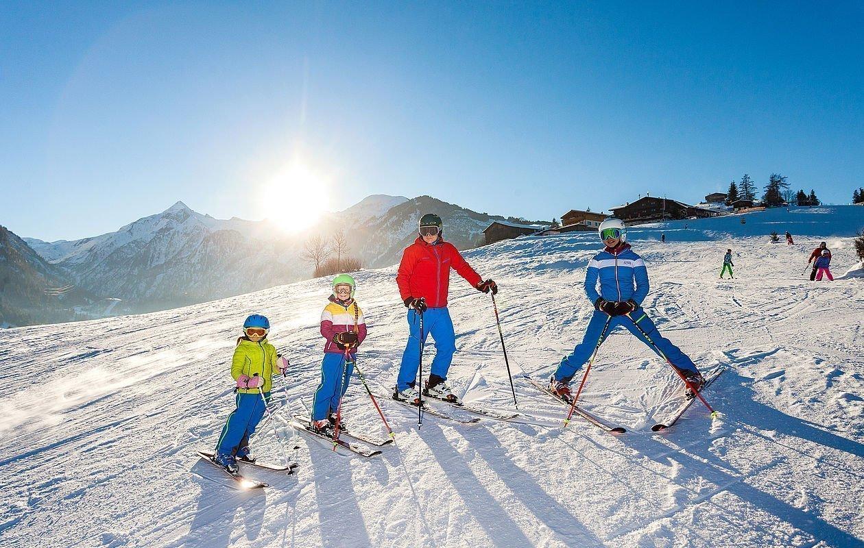 Skifahrer am Maiskogel von Kaprun im SalzburgerLand