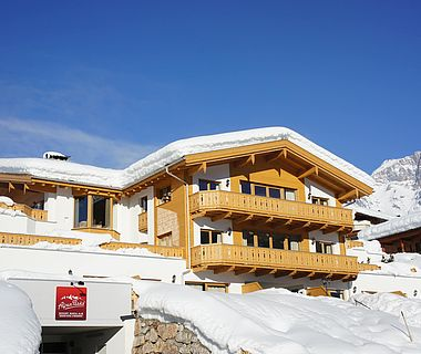Winterliche Aufnahme von der Residence Schmiedhöfl in Maria Alm