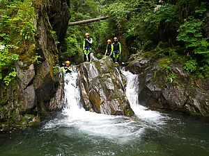 [Translate to English:] Action & Spaß beim Canyoning in Osttirol - AlpenParks Montana Matrei
