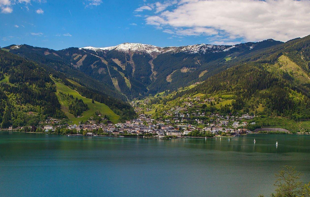 Ausblick über den Zeller See von Thumersbach aus