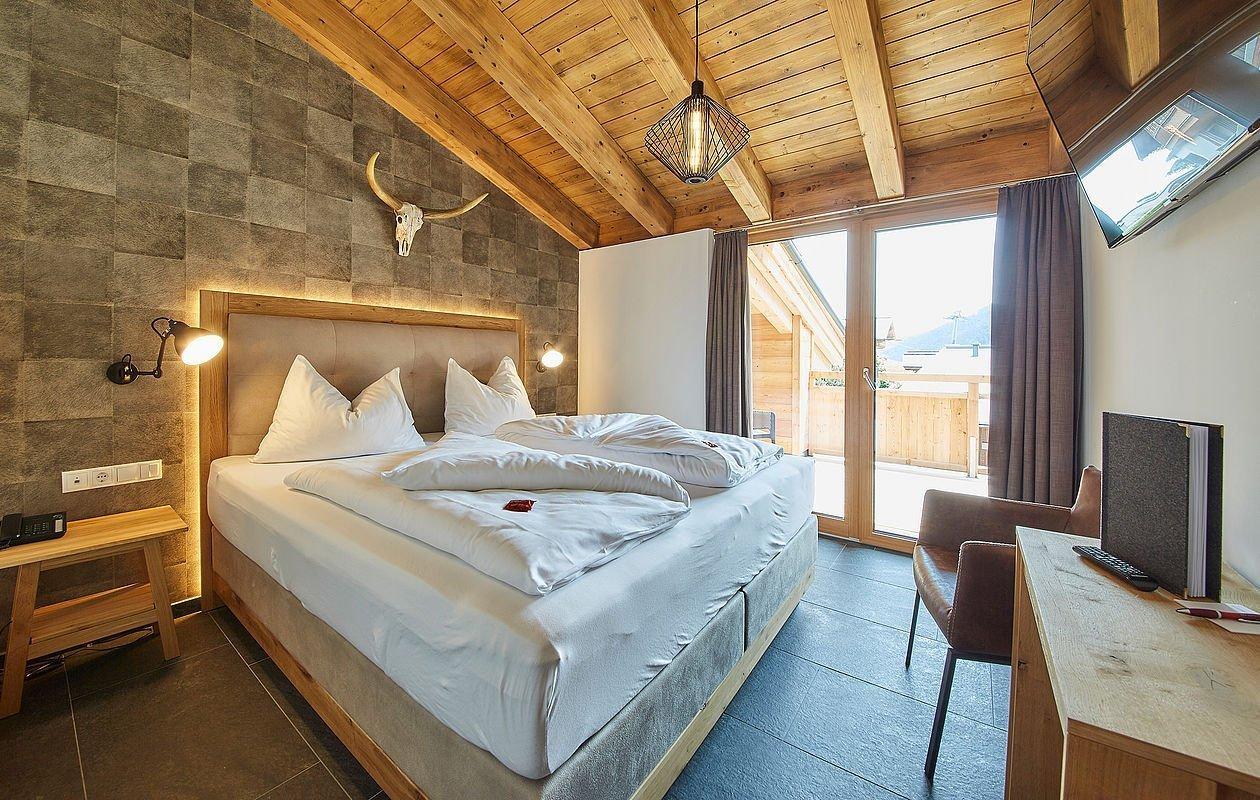 Luxuriöses Schlafzimmer im Apartment in Tirol - AlpenParks Alpina Seefeld
