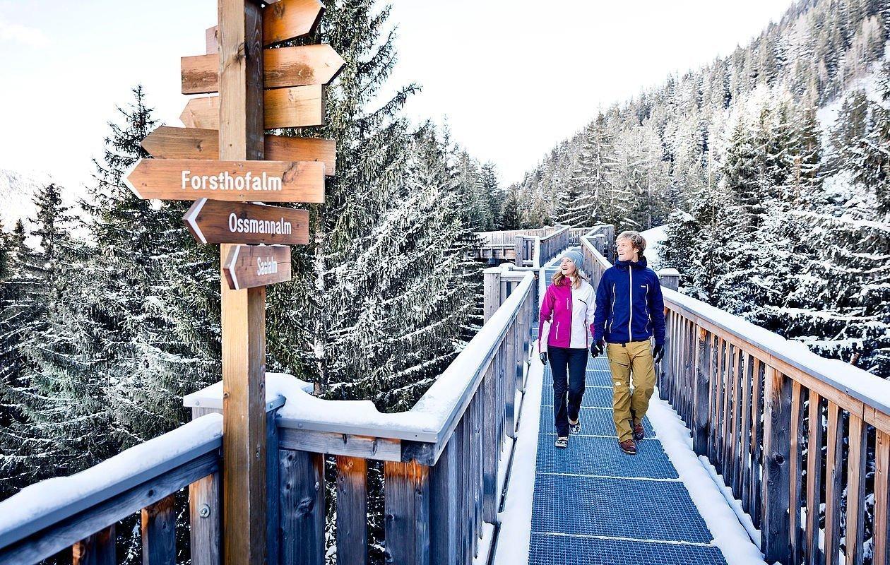 Wanderungen im Winterurlaub in Saalbach Hinterglemm - AlpenParks Hotel & Apartment Sonnleiten