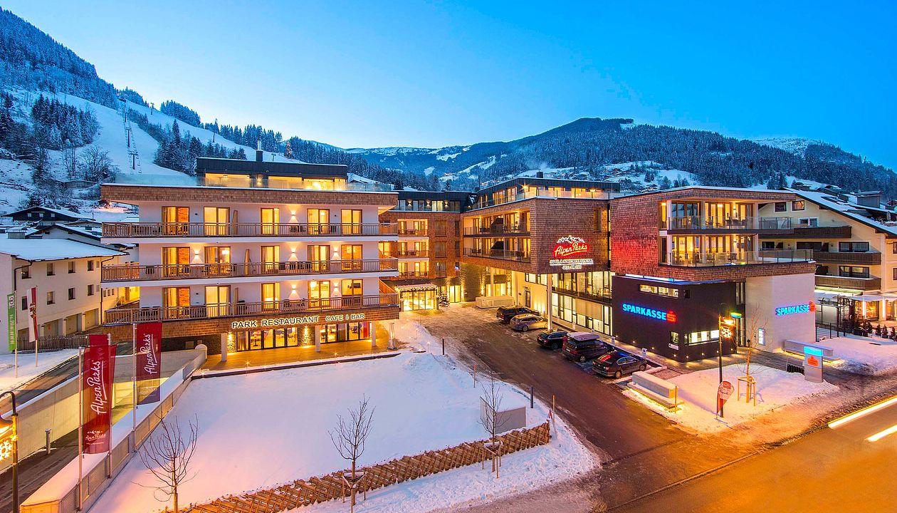 Außenansicht Vom Alpenparks Hotel Central Zell Am See