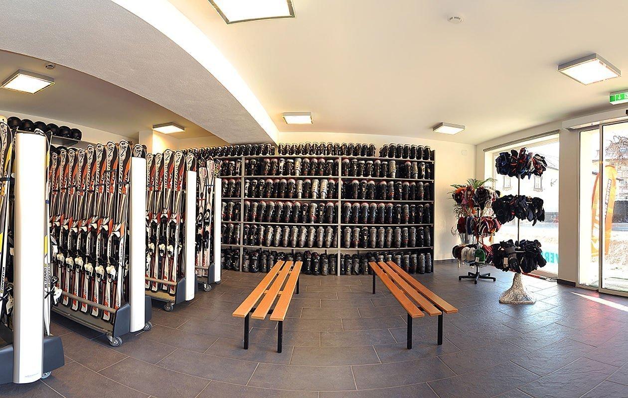 Innenansicht vom AlpenParks Sportshop
