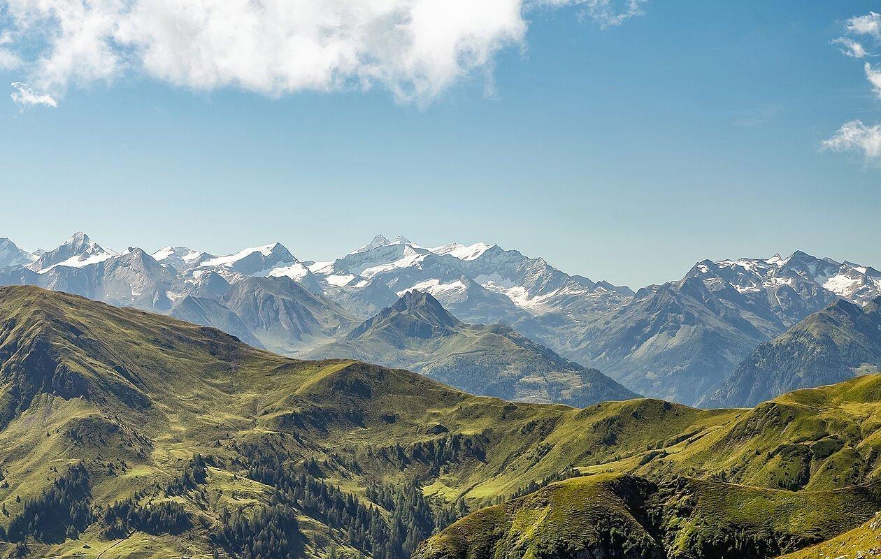 Wundervolle Ausblicke auf die Bergwelt von Saalbach