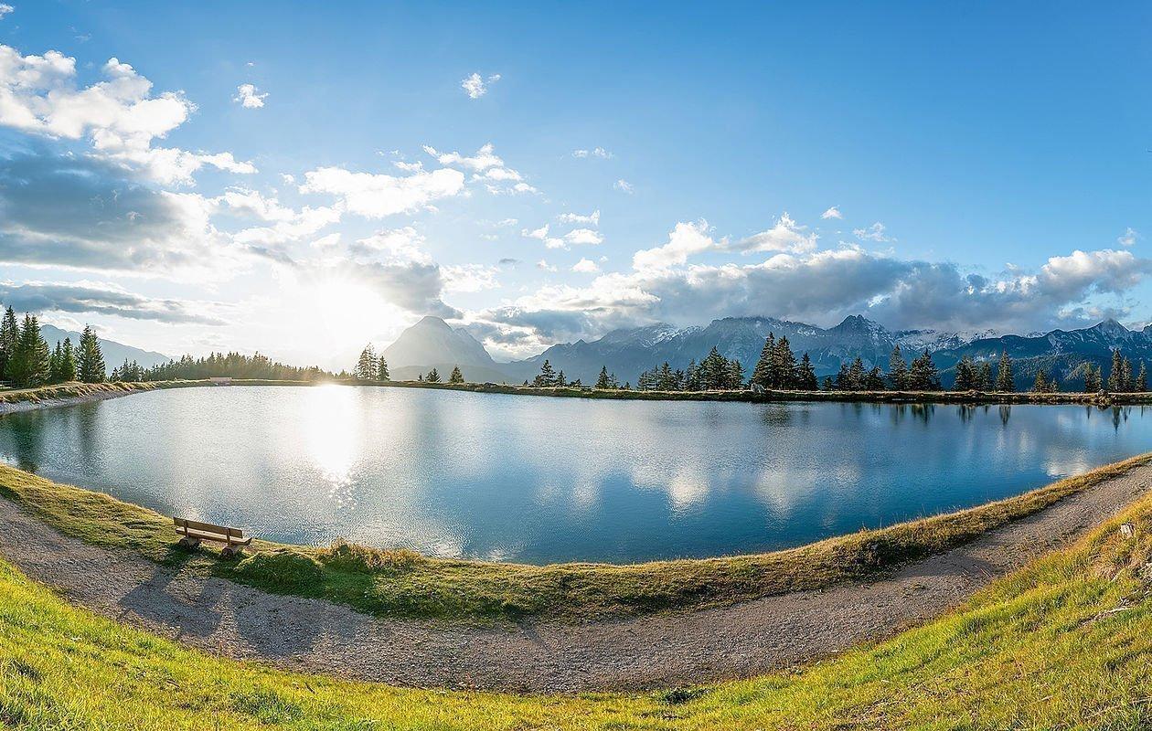 Wandern durch die unberührte Natur in Seefeld - AlpenParks Alpina Seefeld
